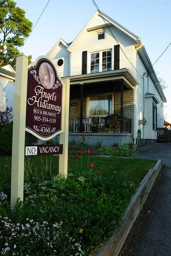 Angel's Hideaway B&#038;B